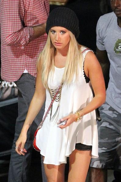 Ashley Tisdale sul set di Getaway