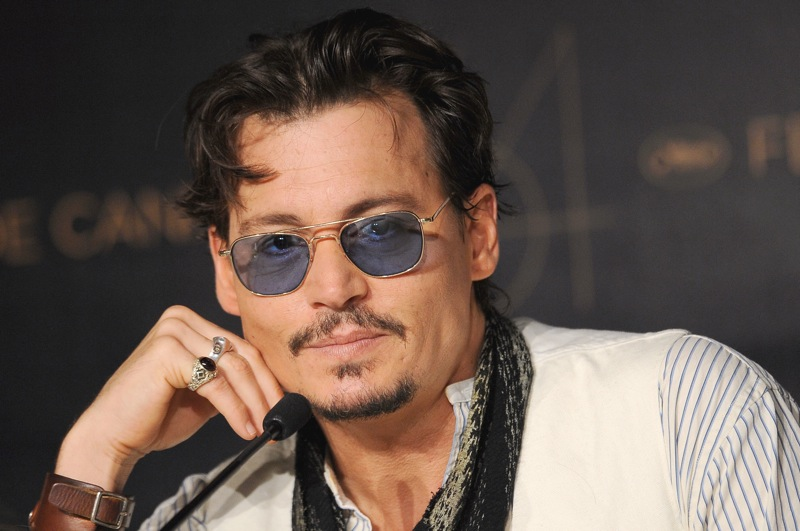 Johnny Depp in conferenza stampa a Cannes