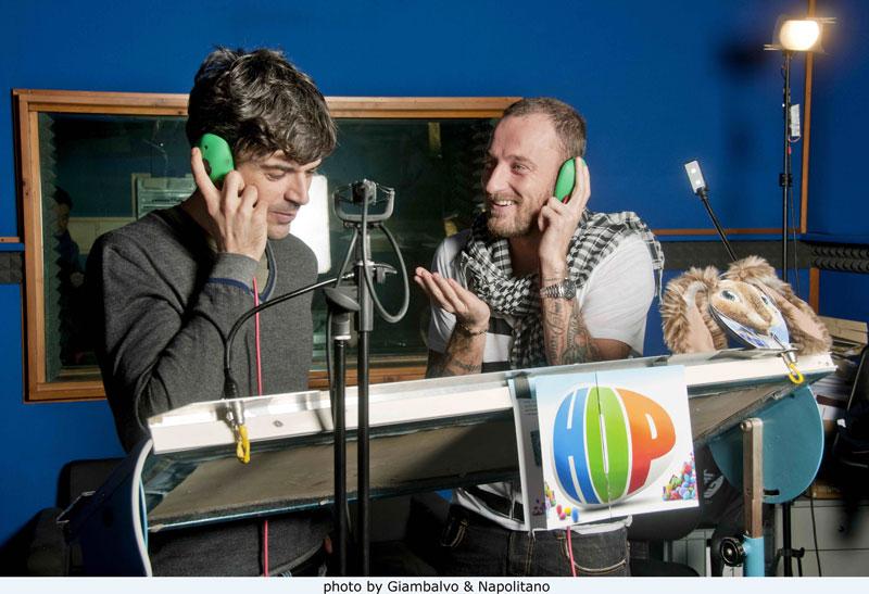 Le foto di Luca Argentero e Francesco Facchinetti durante il doppiaggio di Hop