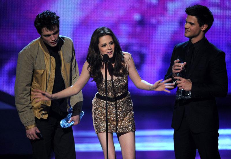Robert Pattinson, Kristen Stewart, Taylor Lautner ai People's Choice Awards 2011