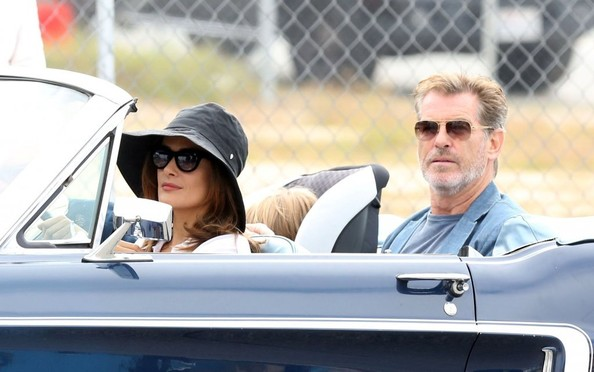 Pierce Brosnan e Salma Hayek sul set di How to Make Love Like an Englishman - 3