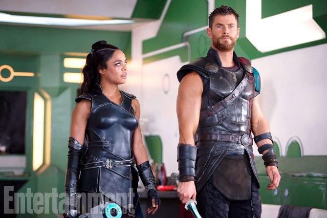 Thor: Ragnarok: Chris Hemsworth e Tessa Thompson