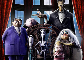 La Famiglia Addams: online la clip La Nonna