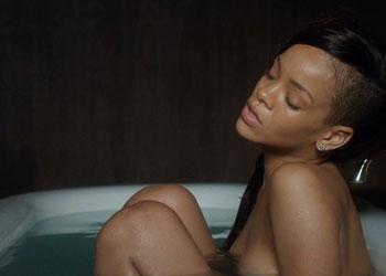 Rihanna In Vasca Da Bagno.Rihanna Nuda In Vasca Per Il Suo Nuovo Video Stay Notizie Sul