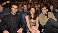 Robert Pattinson, Kristen Stewart, Taylor Lautner trionfano ai People's Choice Awards